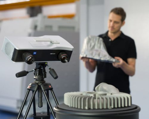 The ZEISS COMET L3D 2 - the right sensor for every application: adjust the measuring field quickly by just changing the lens
